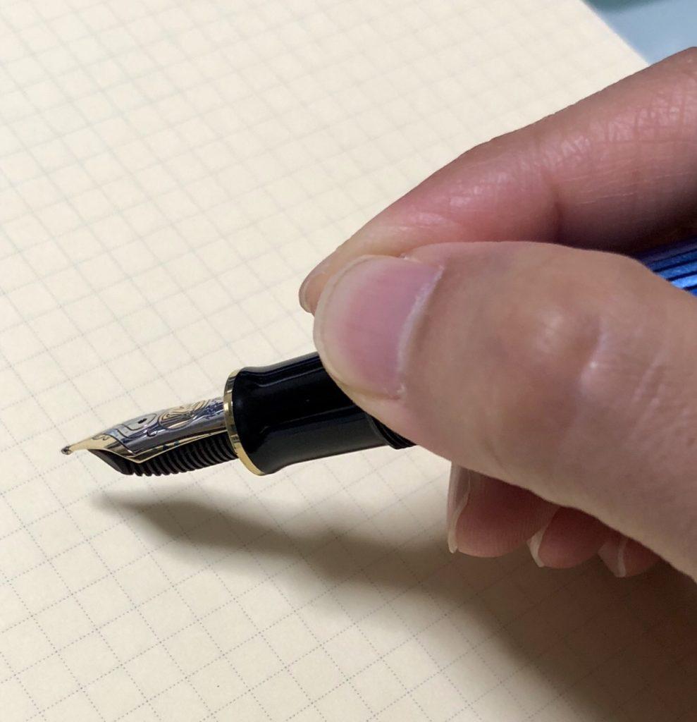 万年筆の持ち方