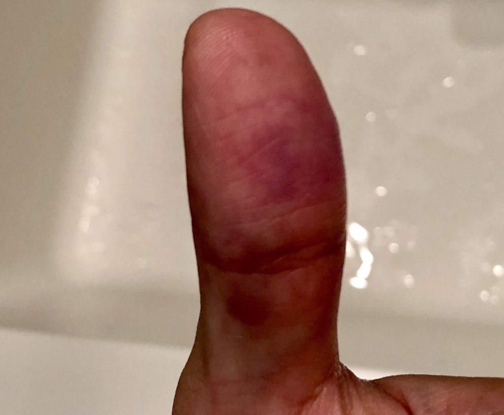 手についた万年筆のインクを簡単に洗い落とす